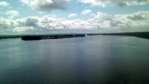 Râul St John, un pod nu prea departe de Lacul Lebedei