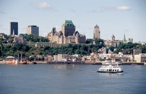 Quebec City, văzut de dincolo de pod